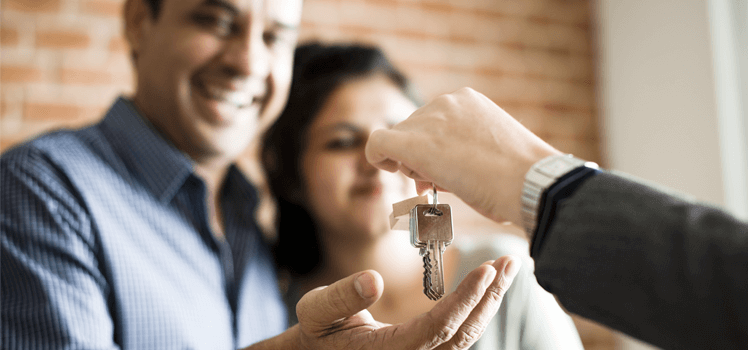 Landlord responsibilities when handing over keys to a tenant couple