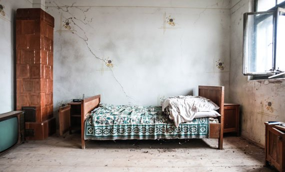 Dirty bedroom unfit for humans