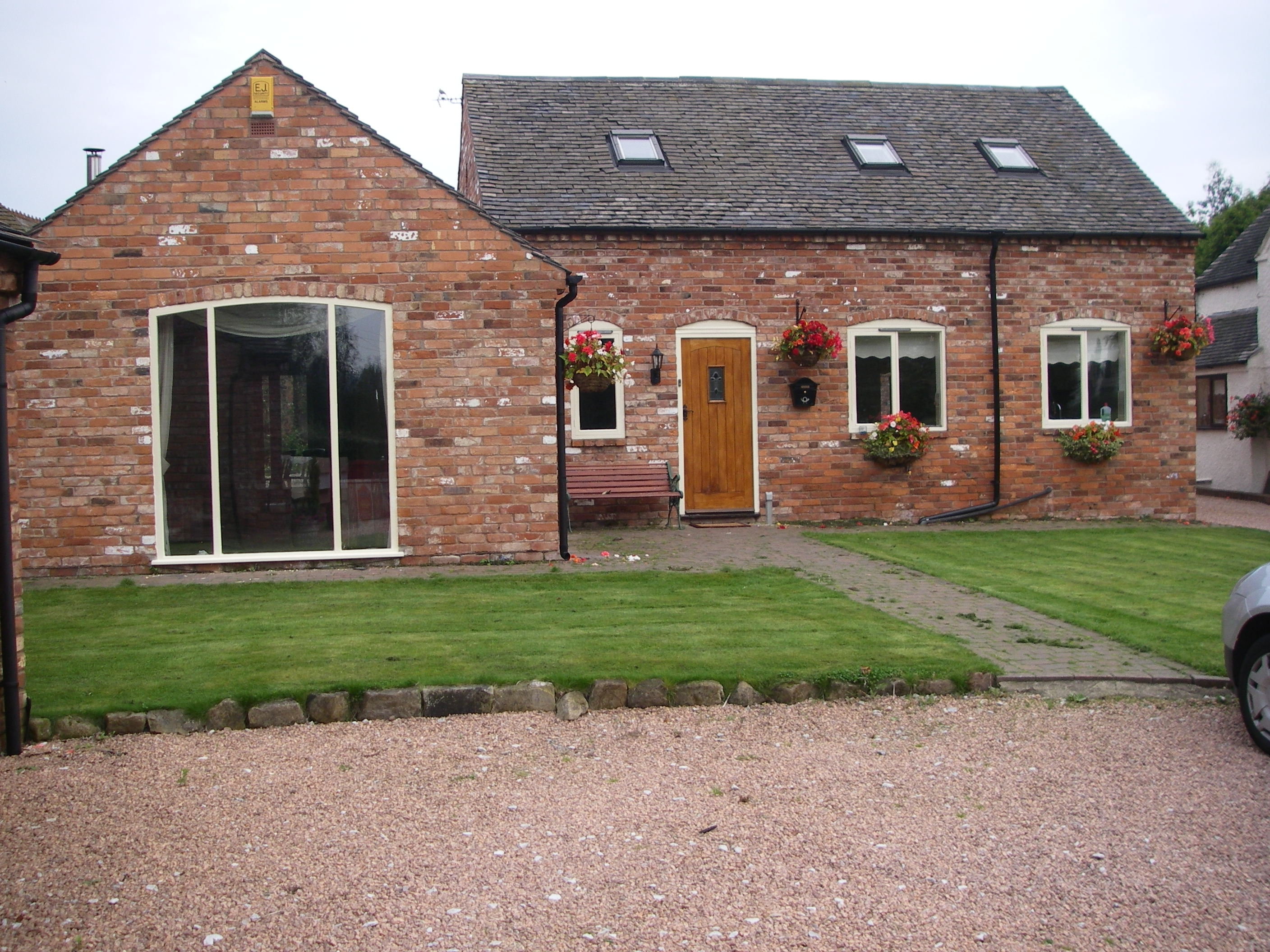 3 Bedroom Part Furnished Detached To Rent On Church Lane,Barrow On