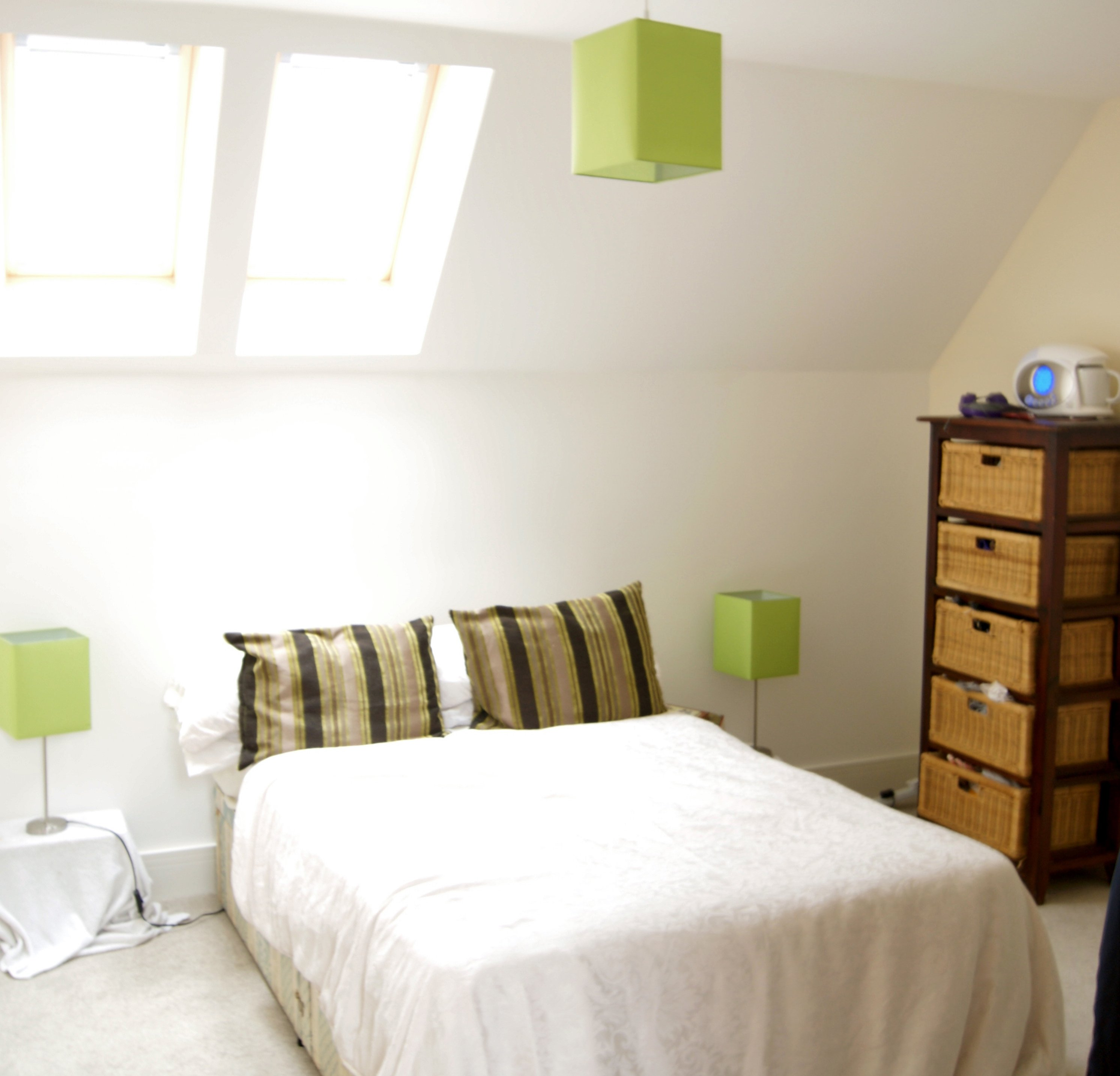 2 Bedroom Apartments For Rent By Owner: Poplar Road, Esher, KT10 0DD