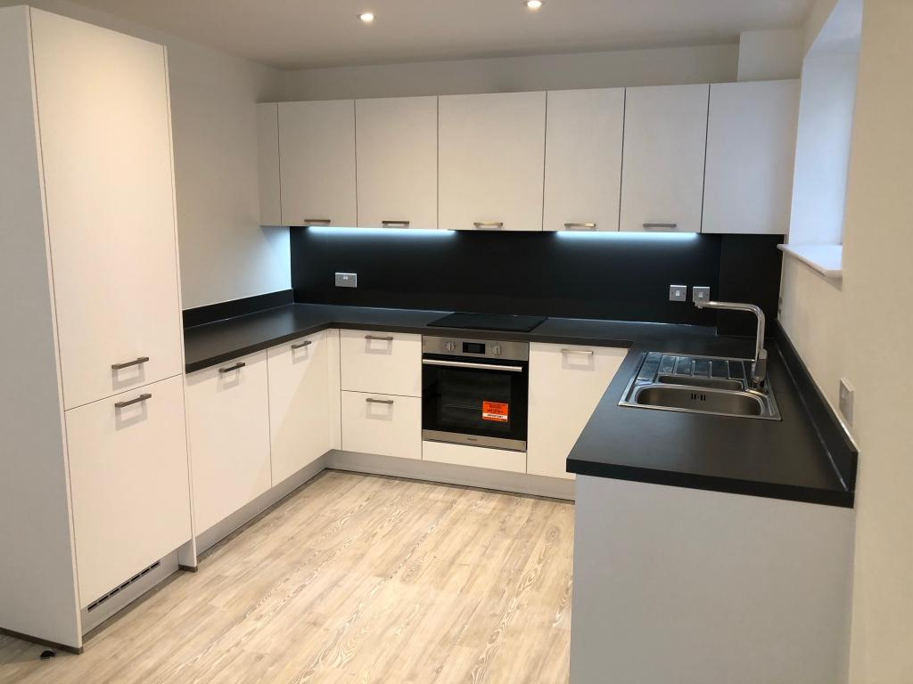 1 Bed Apartment To Rent Lilys Walk High Wycombe Hp11 2fx