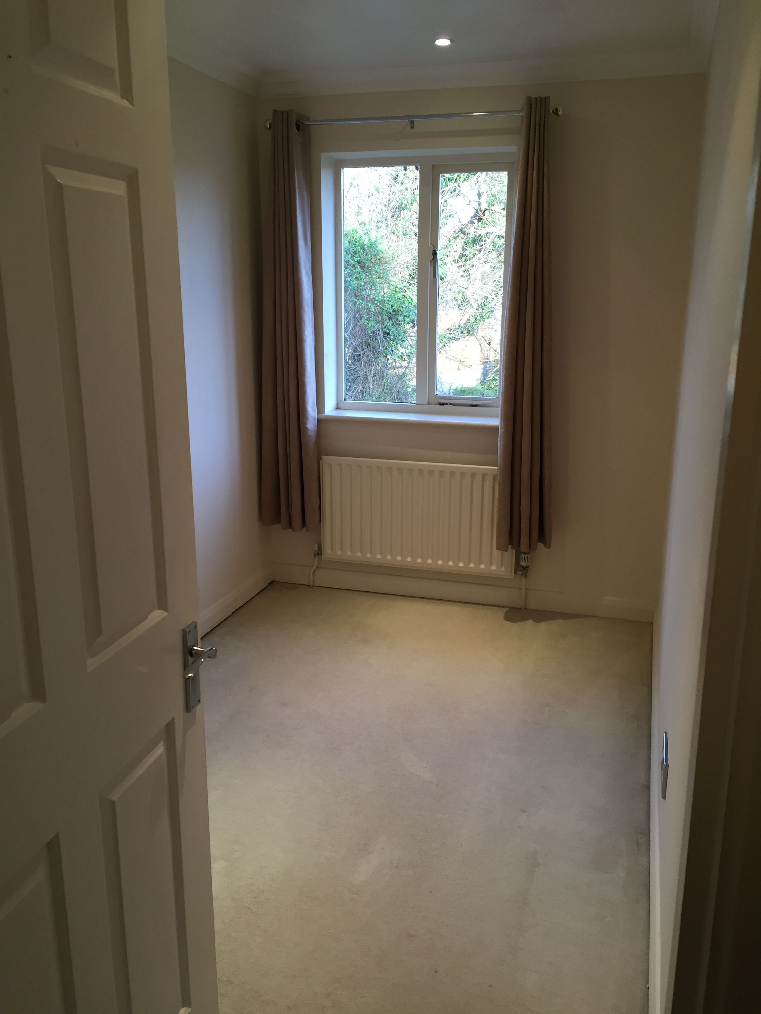 2 Bedroom Part Furnished End Of Terrace To On Moore Close Farnham
