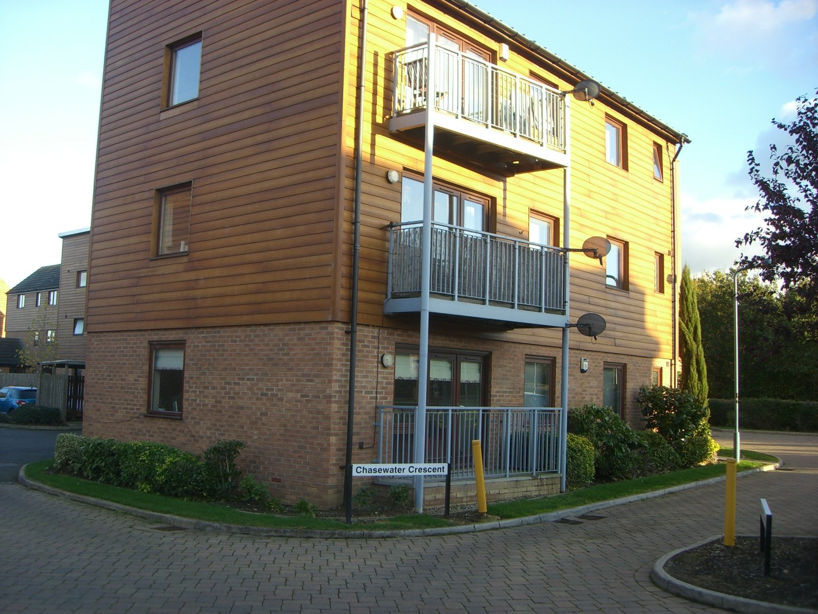 2 Bed Apartment to Rent - Chasewater Crescent, Milton ...