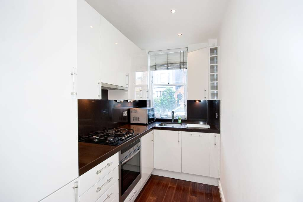 2 Bed Flat To Rent Onslow Gardens London Sw7 3qf