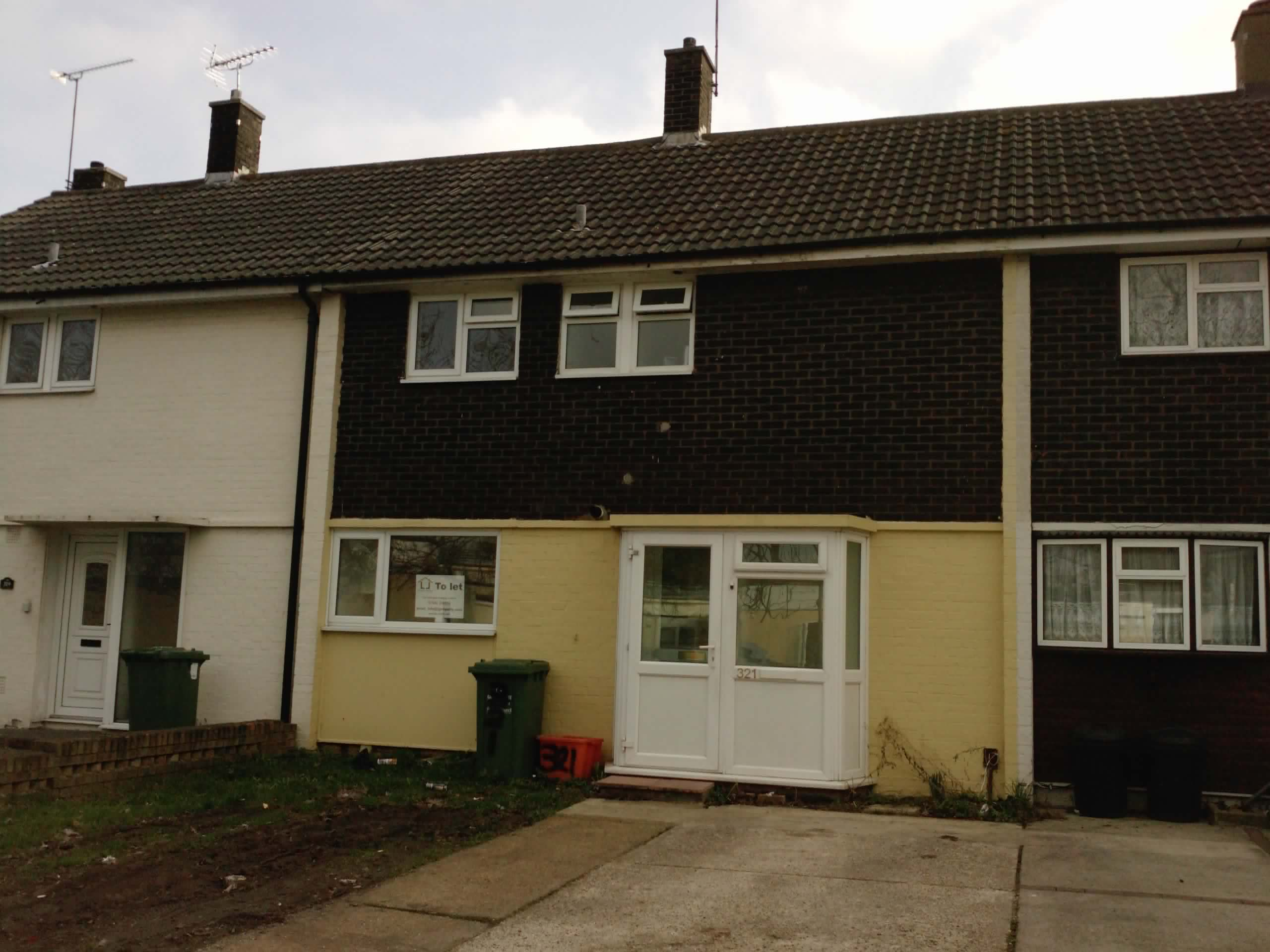 Attractive 3 Bedroom Unfurnished House To Rent On Whitmore Way, Basildon, SS14 By Private  Landlord