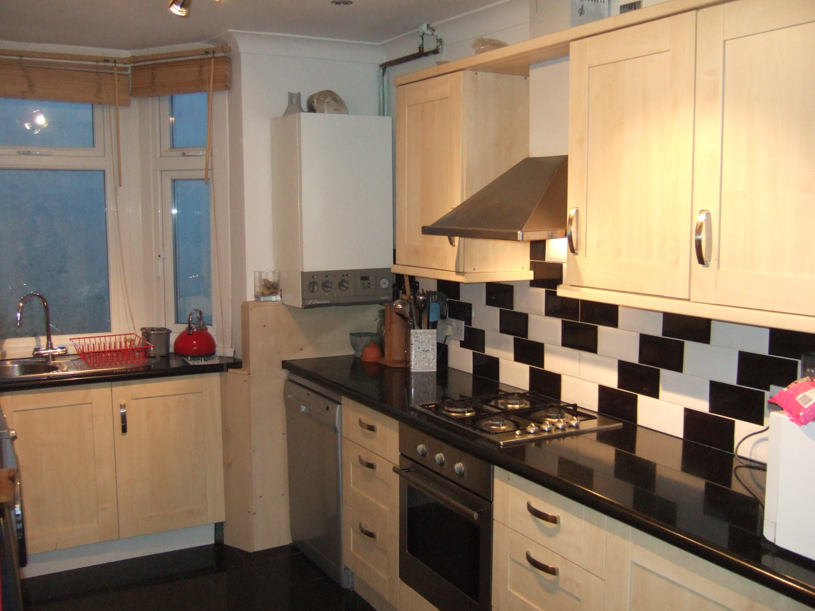 3 bed house to rent sladedale london se18 2tf