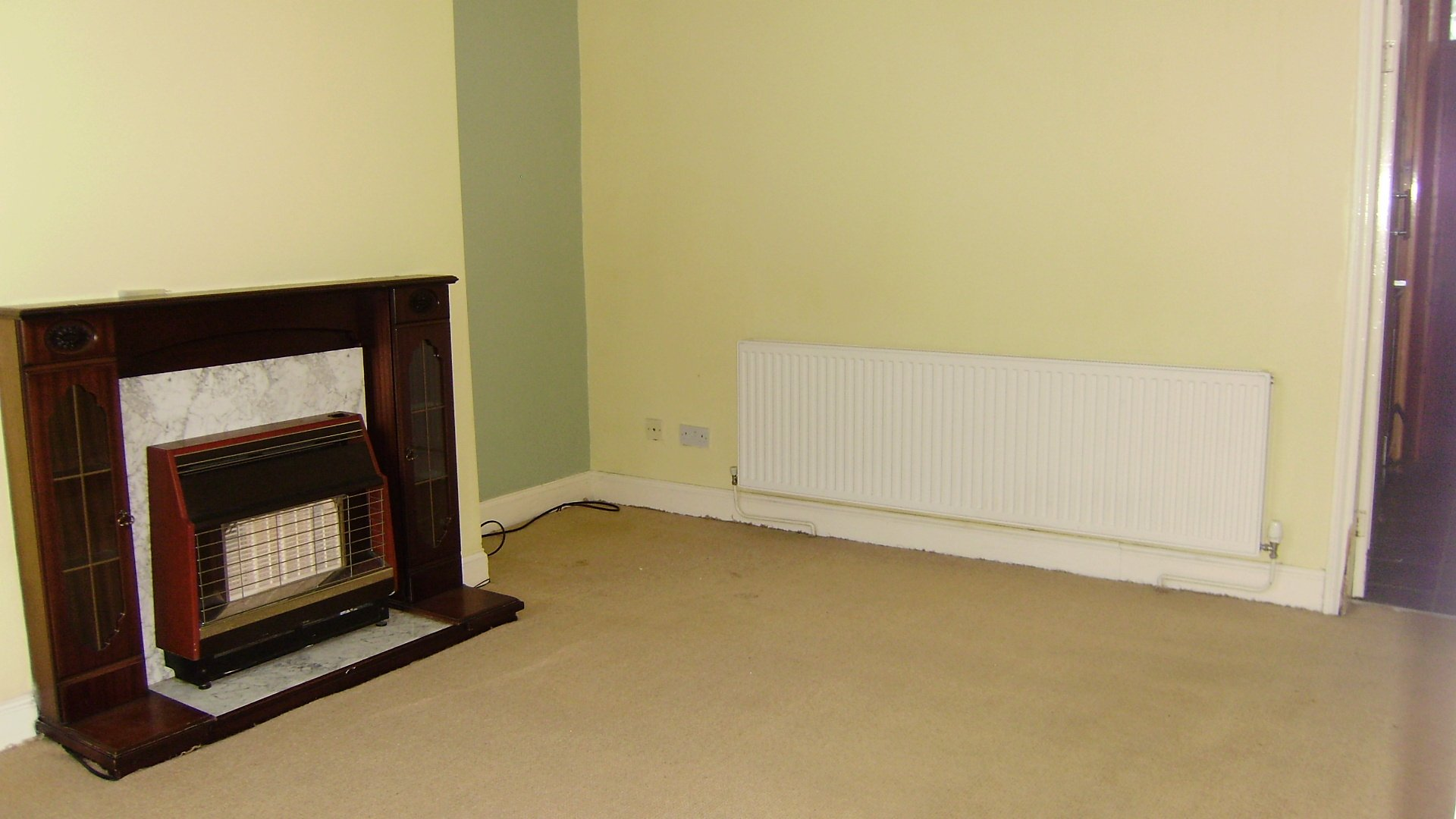 2 bed house terraced to rent royds street for Beds huddersfield