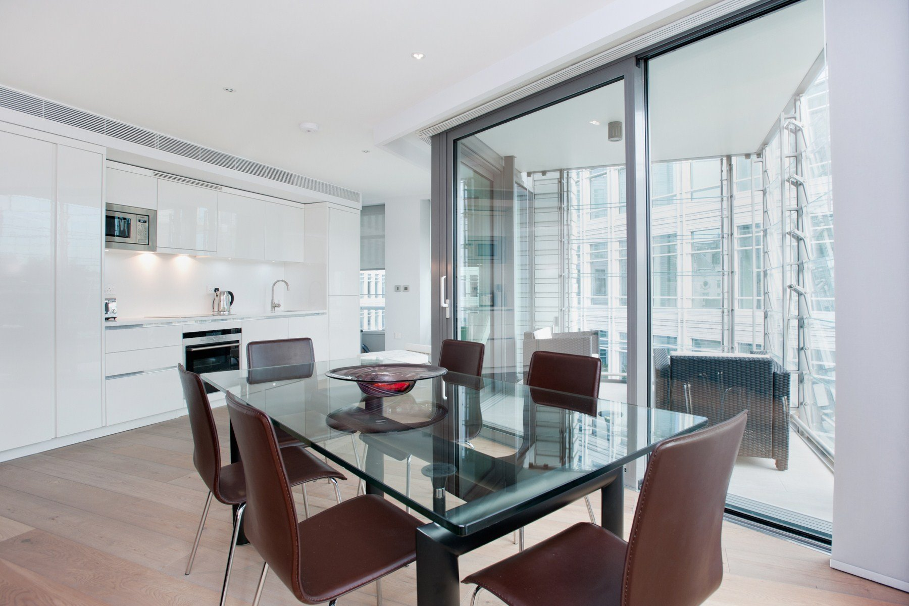 2 Bed Apartment to Rent - Central St. Giles Piazza, London ...