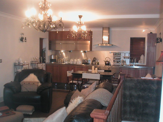 2 Bed Flat/Apartment - Ground Maisonette to Rent ...