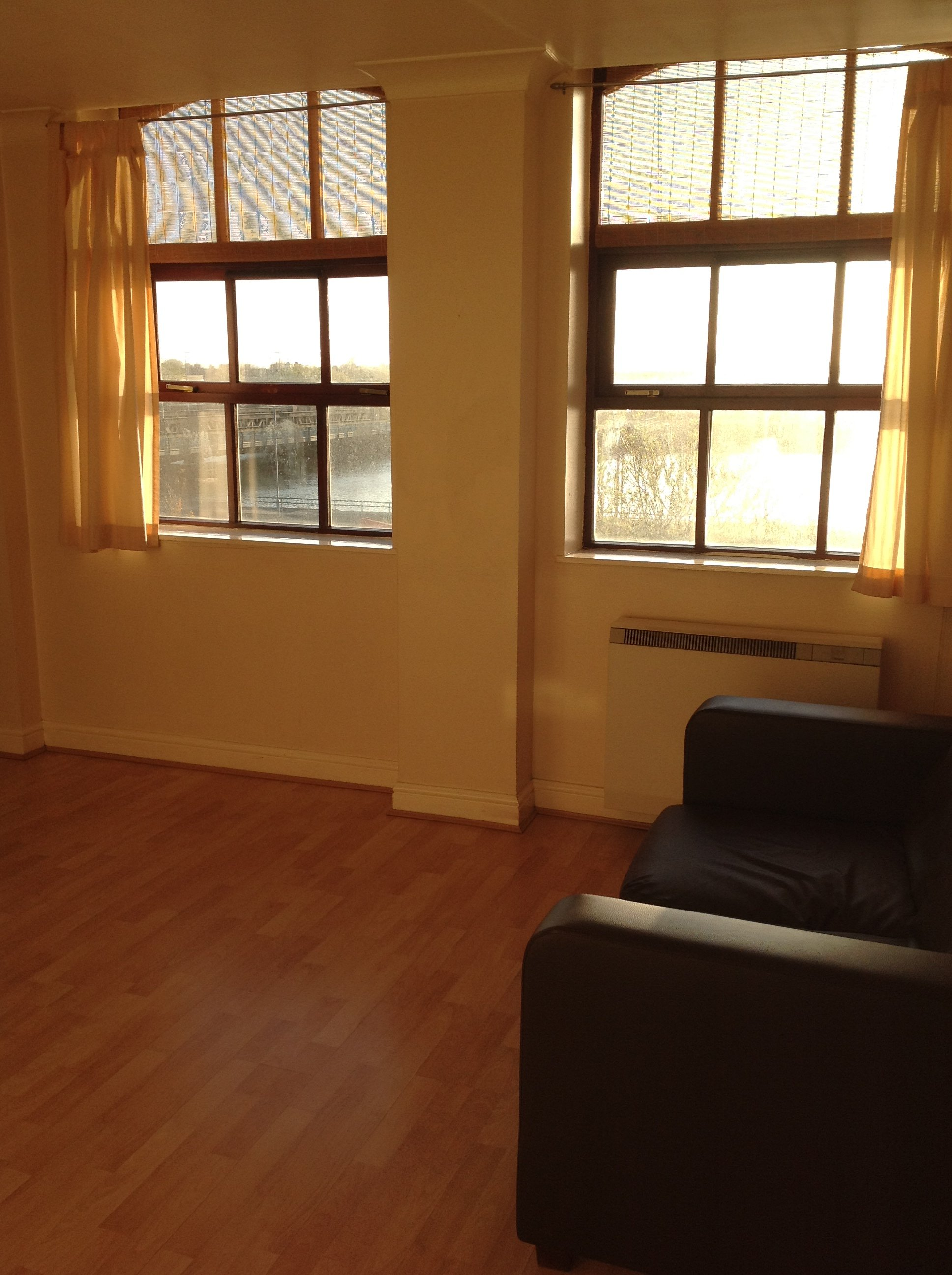1 Bedroom Apartments Mn: Victoria Street, Grimsby, DN31 1PT