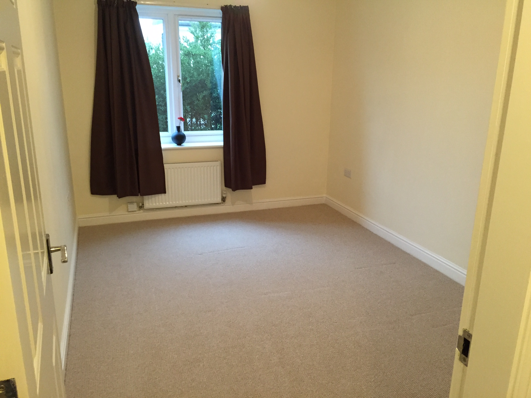 2 bedroom house for rent private landlord in slough. 2 bedroom unfurnished ground flat to rent on elliman avenue, slough, berkshire, sl2 house for private landlord in slough u