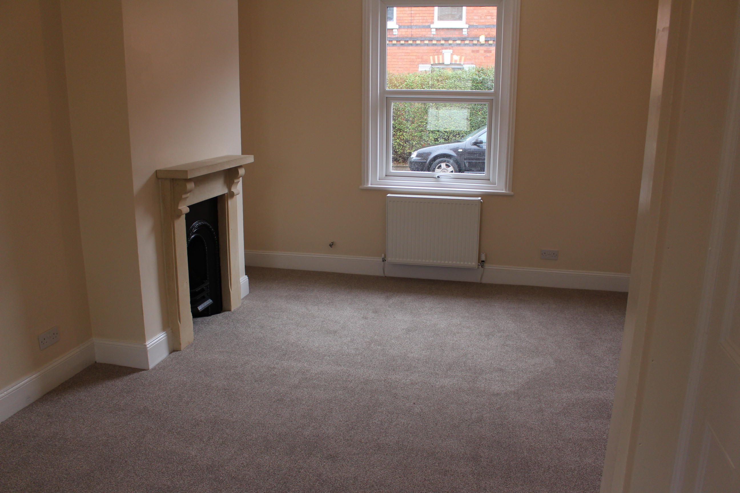 2 bed house terraced to rent winstonian road
