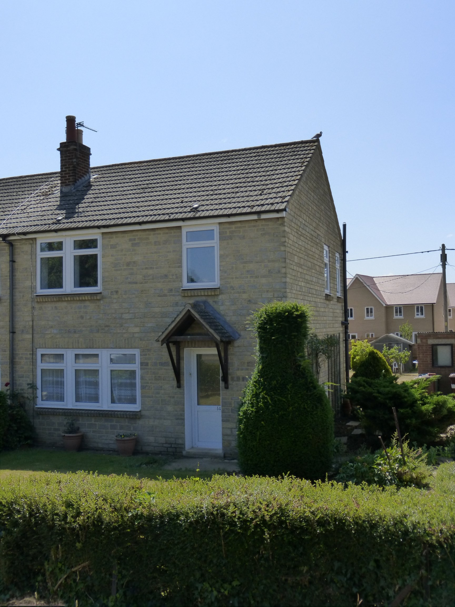 3 Bed House - End of Terrace to Rent - The Green, Bicester, OX26 1UU