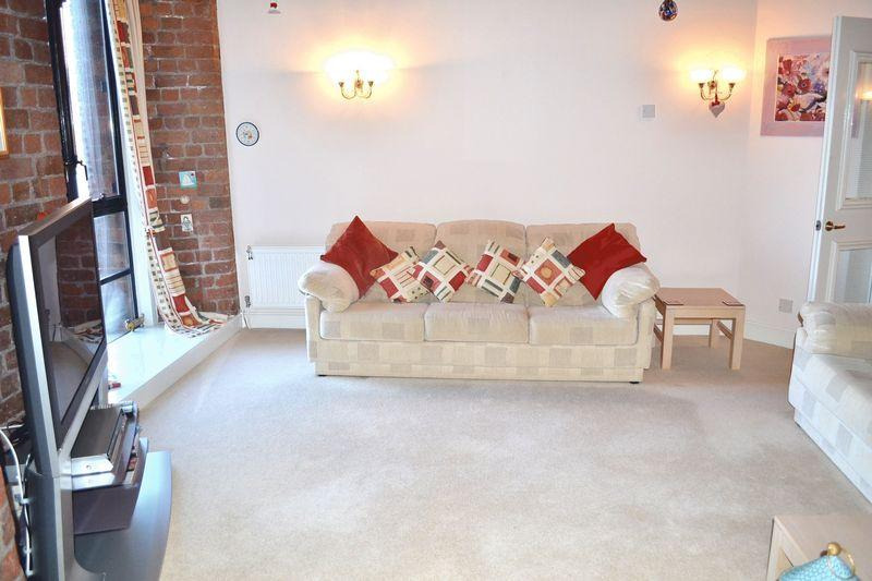 2 Bed Apartment to Rent - The Colonnades, Liverpool, L3 4AB