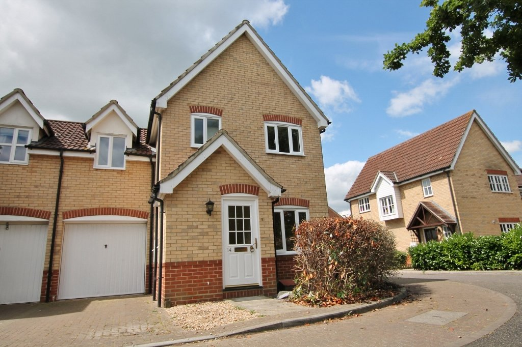 3 Bedroom Unfurnished Link Detached House To Rent On Carpenters Drive,  Braintree, Essex,