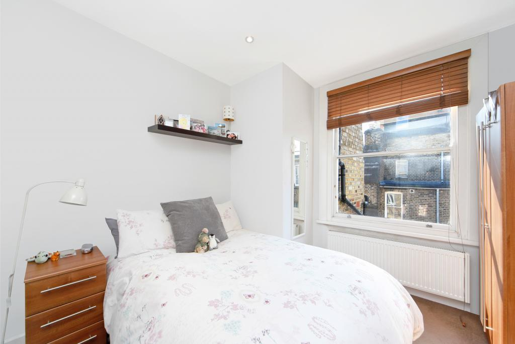 2 Bed Apartment To Rent Fairholme Road London W14 9jz