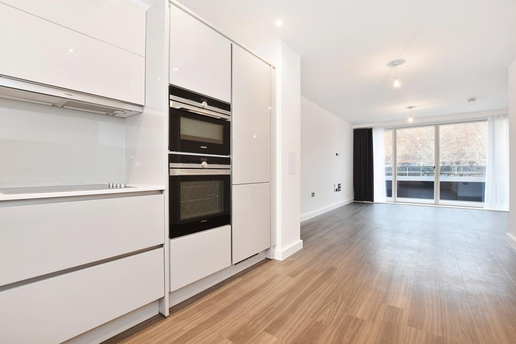 3 bed apartment to rent 55 peloton avenue london e20 1gy for Three bedroom apartments london