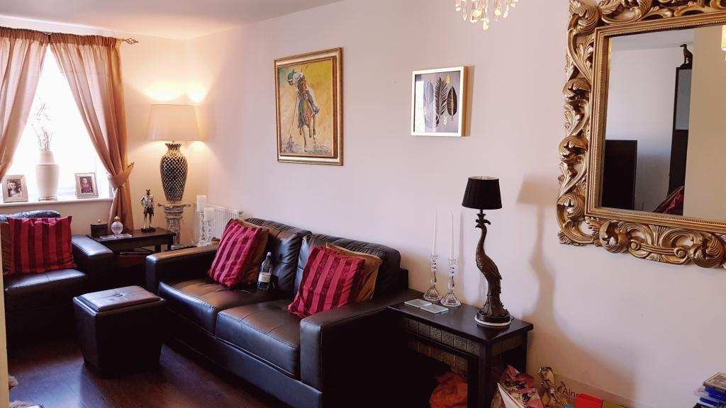 4 Bed House - Town House to Rent - Alcock Crescent ...