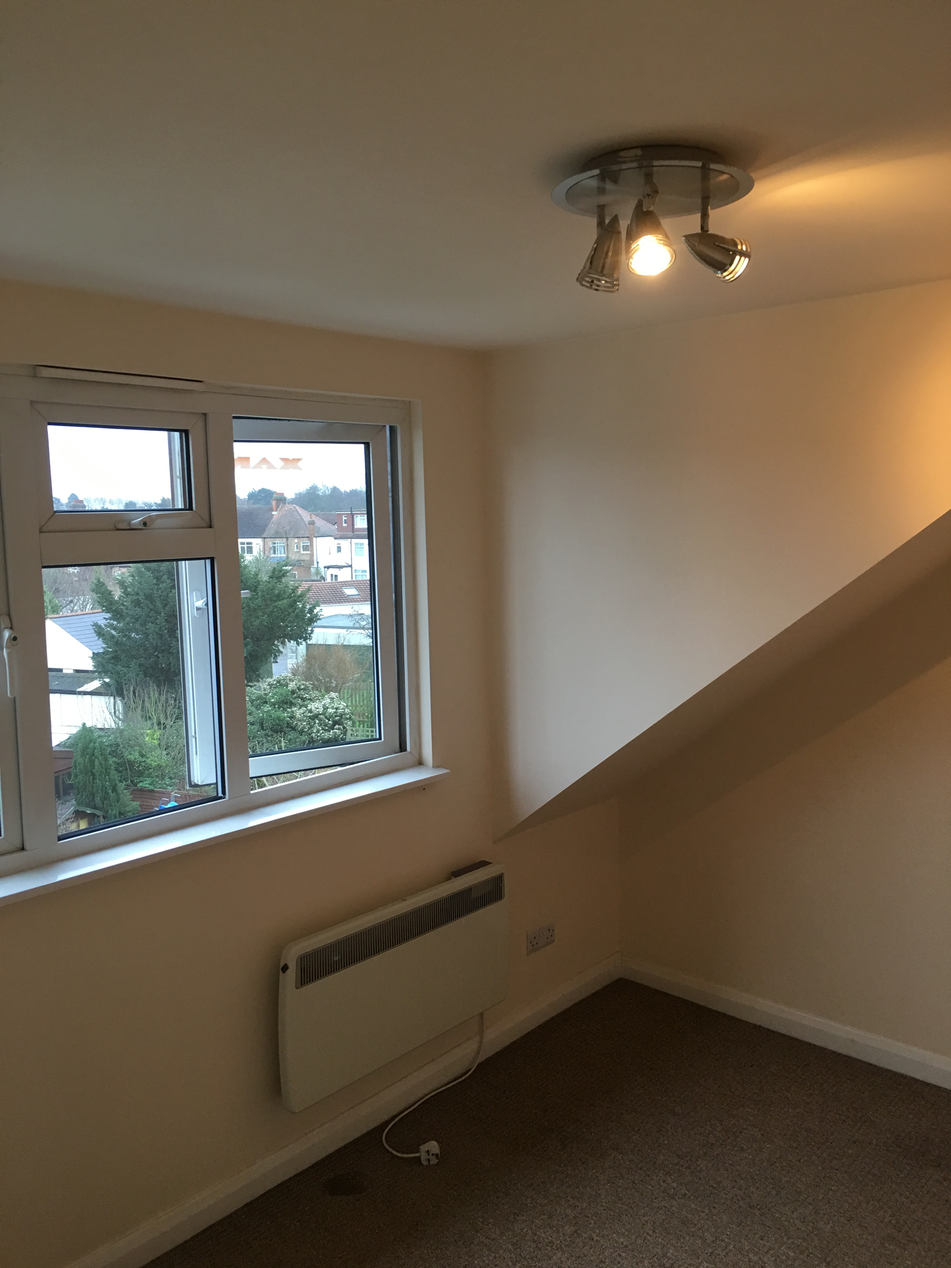1 Bed Apartment to Rent - Firs Lane, London, N21 3ES