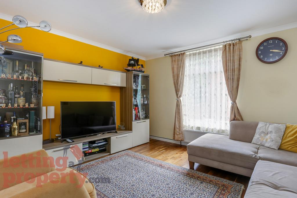 4 Bed House - Terraced to Rent - Bowland Road, London, SW4 7LE