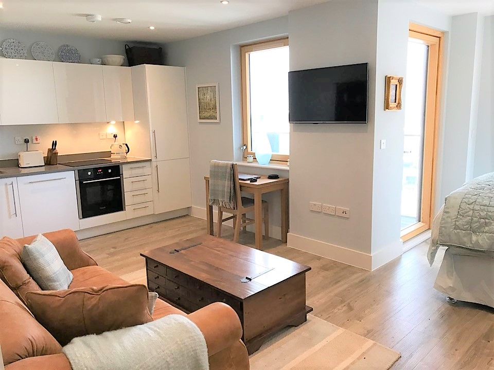 0 Bed Flat/Apartment - Studio to Rent - St. Ives Place ...