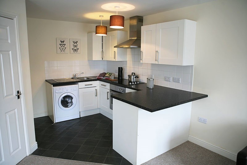 2 bedroom house for rent private landlord in slough. 2 bedroom furnished flat to rent on elliman avenue, slough, berkshire, sl2 by house for private landlord in slough o