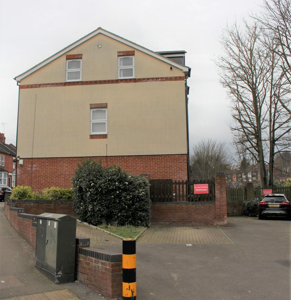 1 bed flat to rent - st. saviours crescent, luton, lu1 5ad