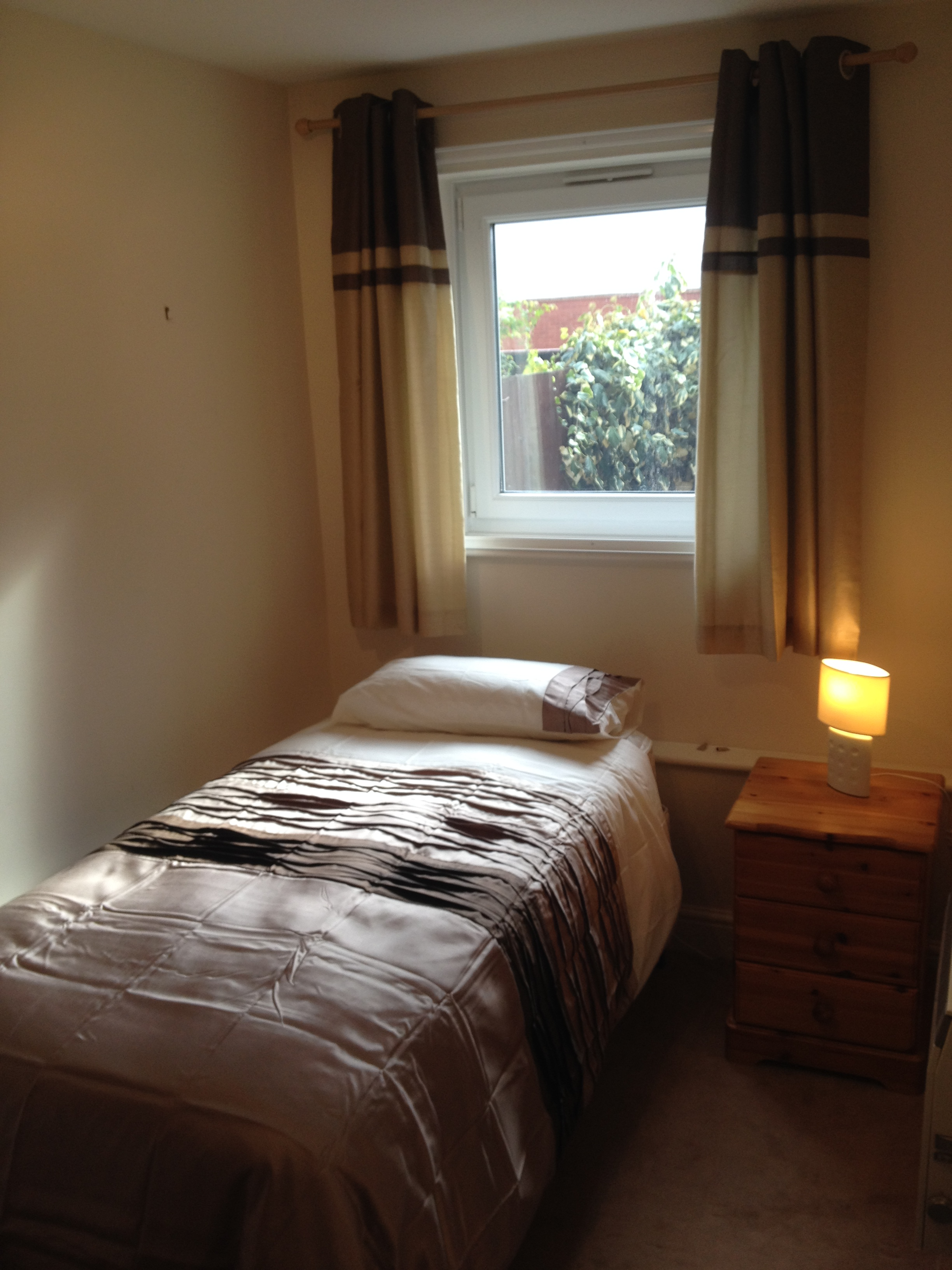 2 bedroom house for rent private landlord in slough. 2 bedroom furnished ground maisonette to rent on grove close, slough, berkshire, sl1 house for private landlord in slough m