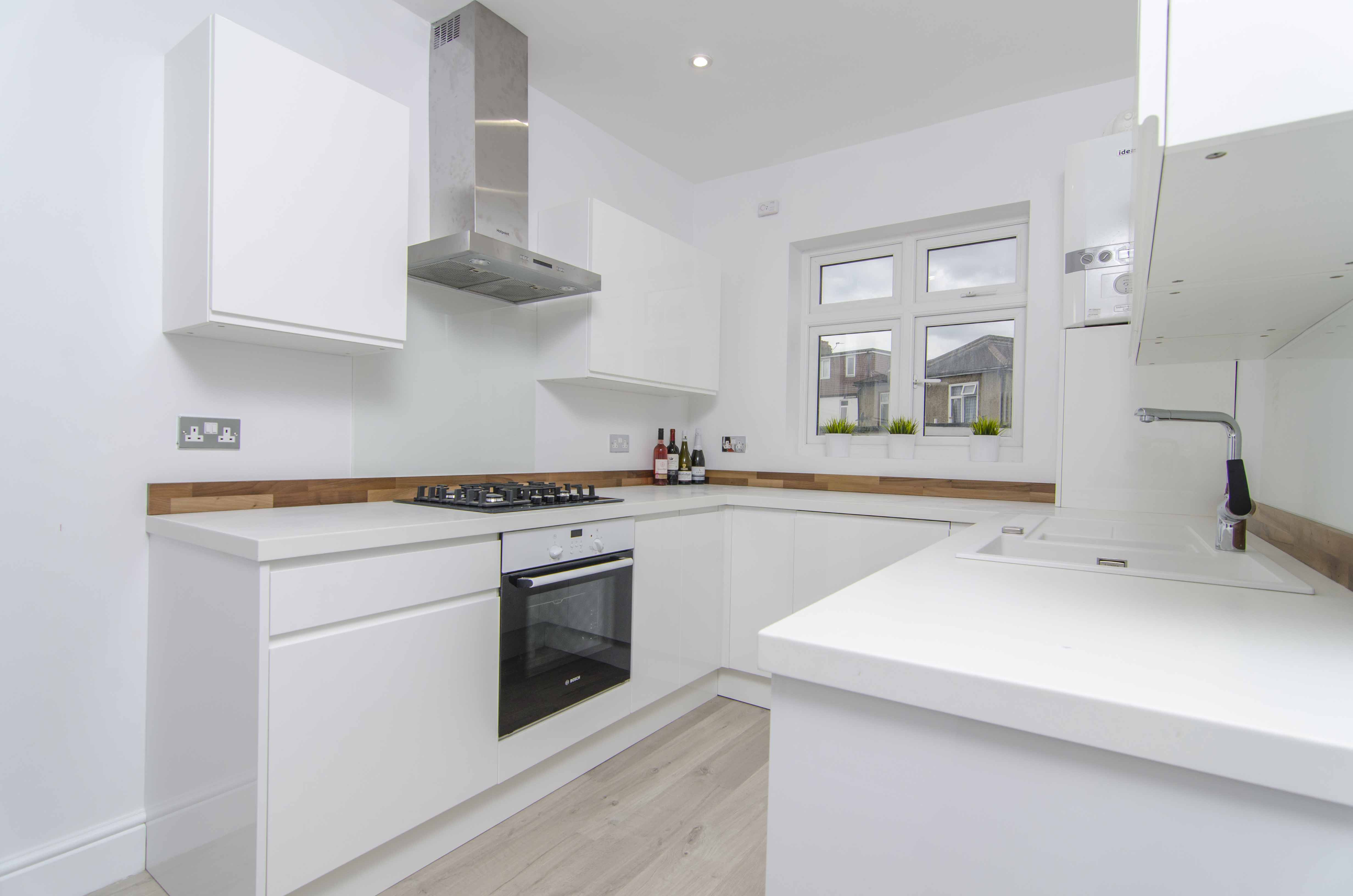 4 Bed House Semi Detached To Rent Harland Road London
