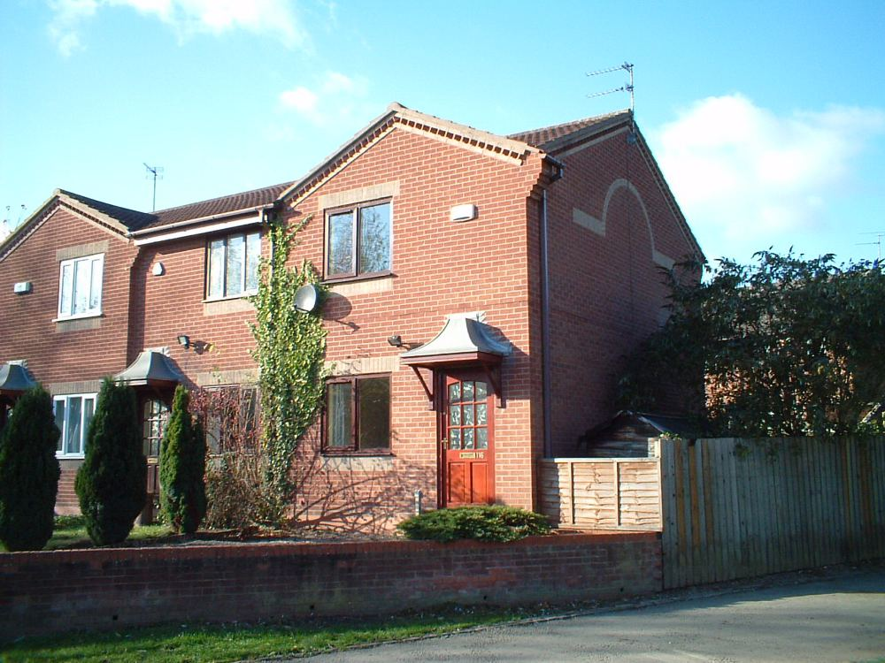 bed house semi detached to rent willson avenue derby de23 1tw