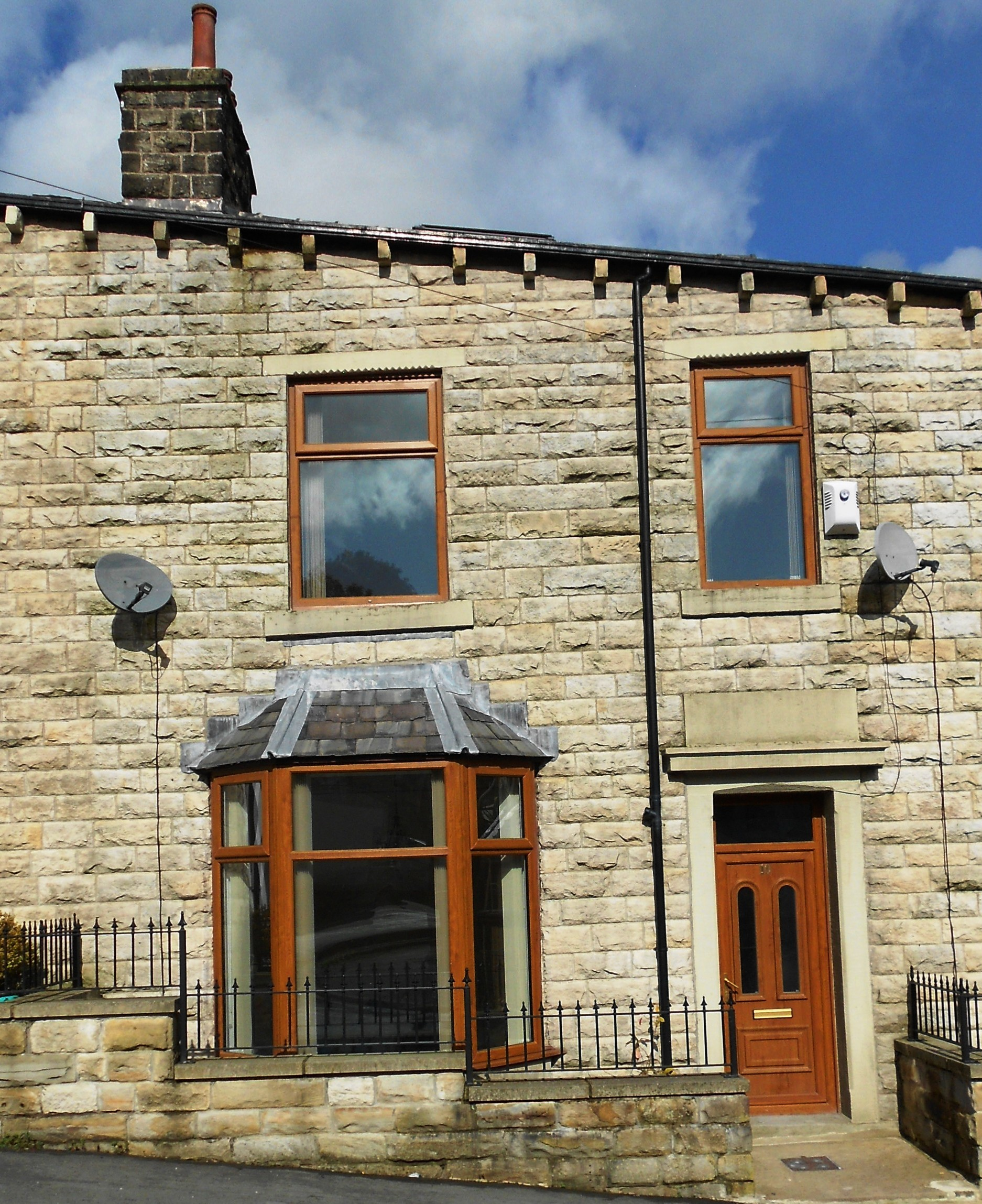 Back Houses For Rent: Ash Street, Bacup, OL13 8AJ
