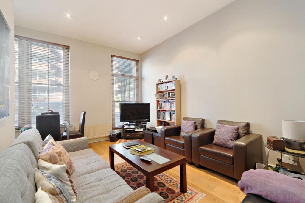 bedroom furnished flat to rent on oakley street london sw3 by