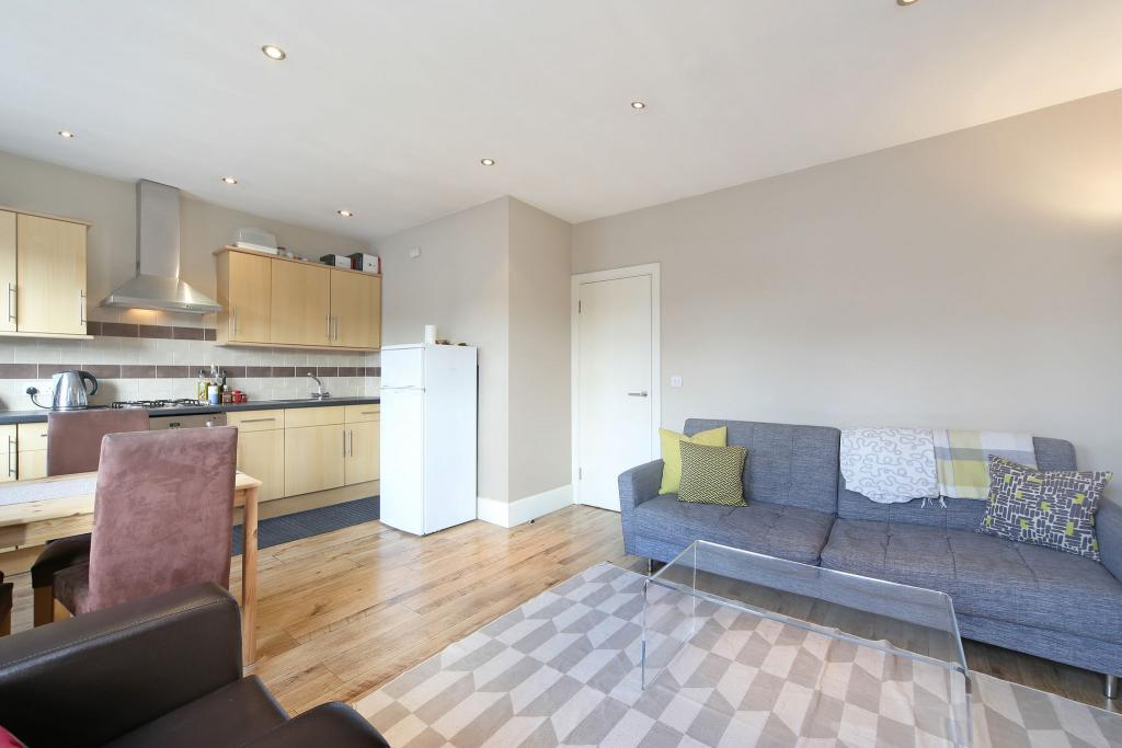 1 Bed Flat to Rent - Glazbury Road, London, W14 9AS