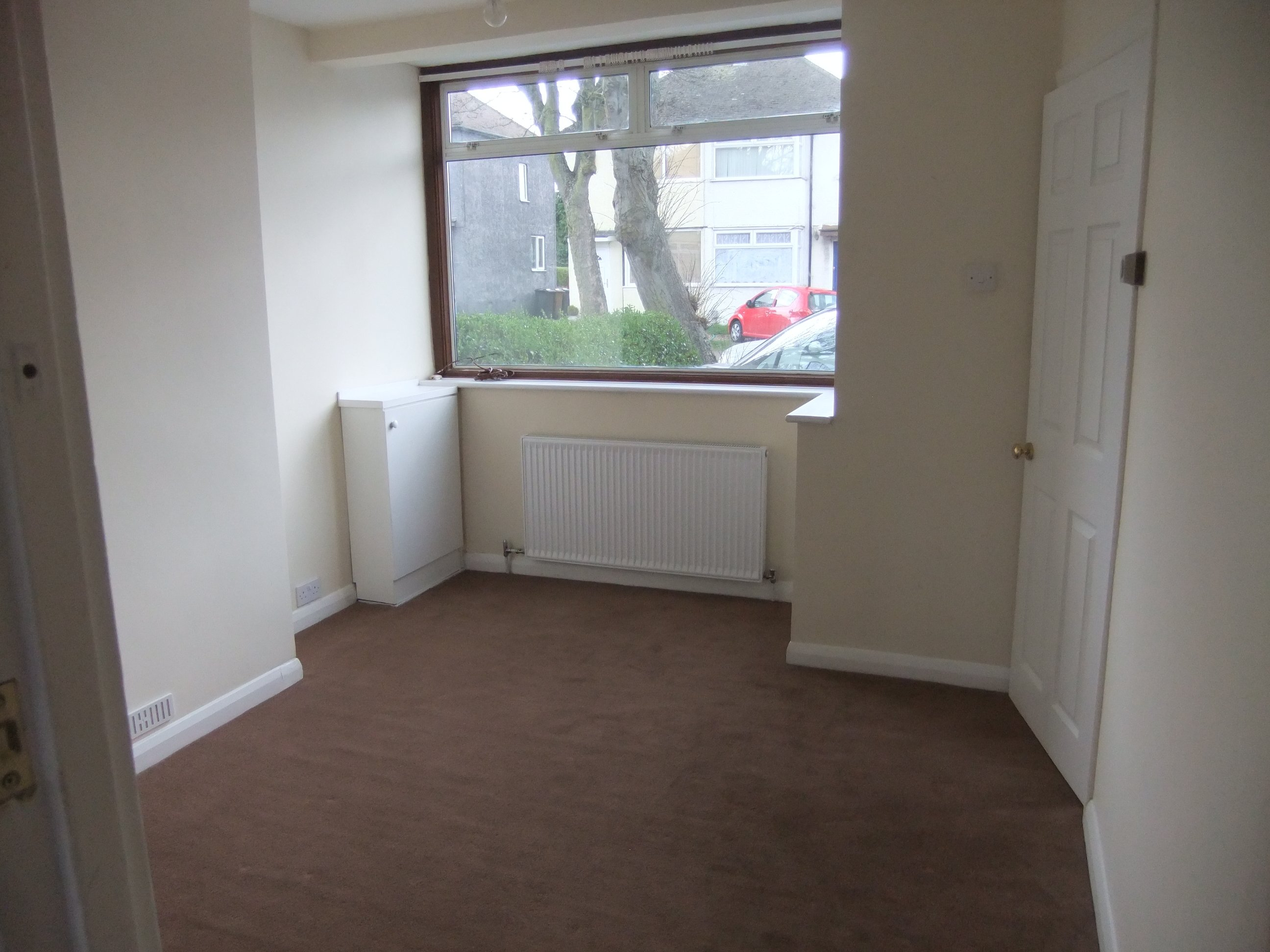 2 bed house - semi-detached to rent - fourth avenue, luton, lu3 3bs
