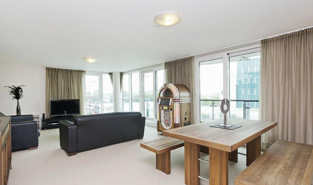 bedroom furnished apartment to rent on 18 st george wharf london