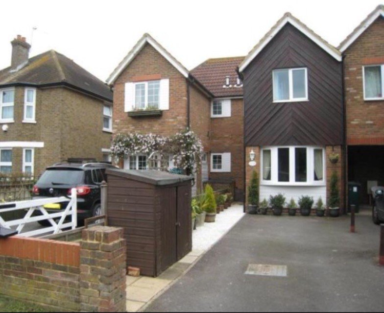 Bed House To Rent Ashford Surrey