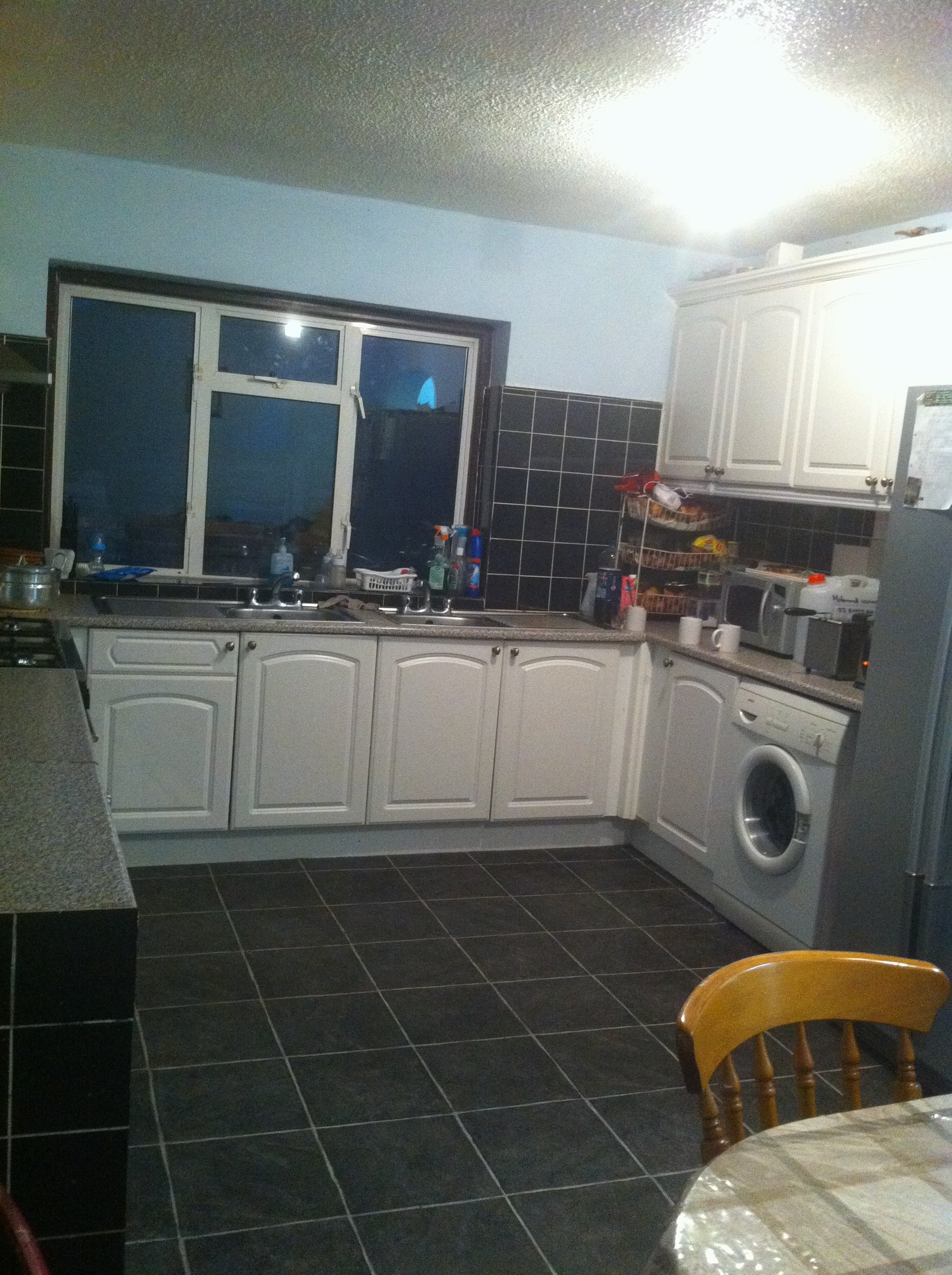 5 bed house - semi-detached to rent - fitzroy avenue,, luton, lu3 1rs
