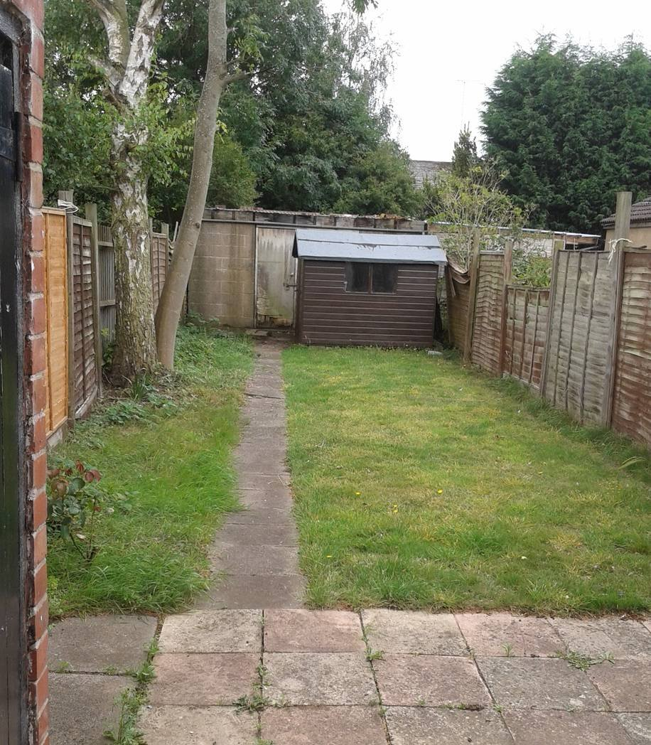 Com Rent: Poitiers Road, Coventry