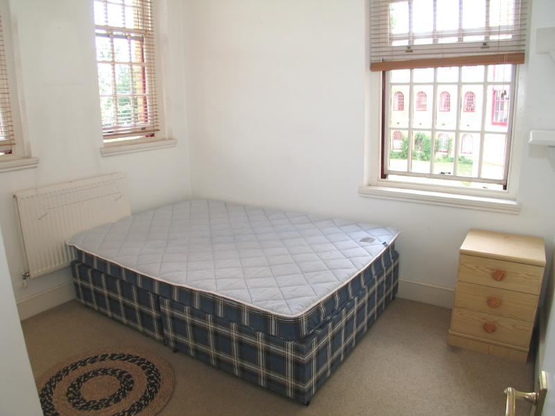 2 Bed Apartment To Rent Chevy Road Nr Hanwell Ealing