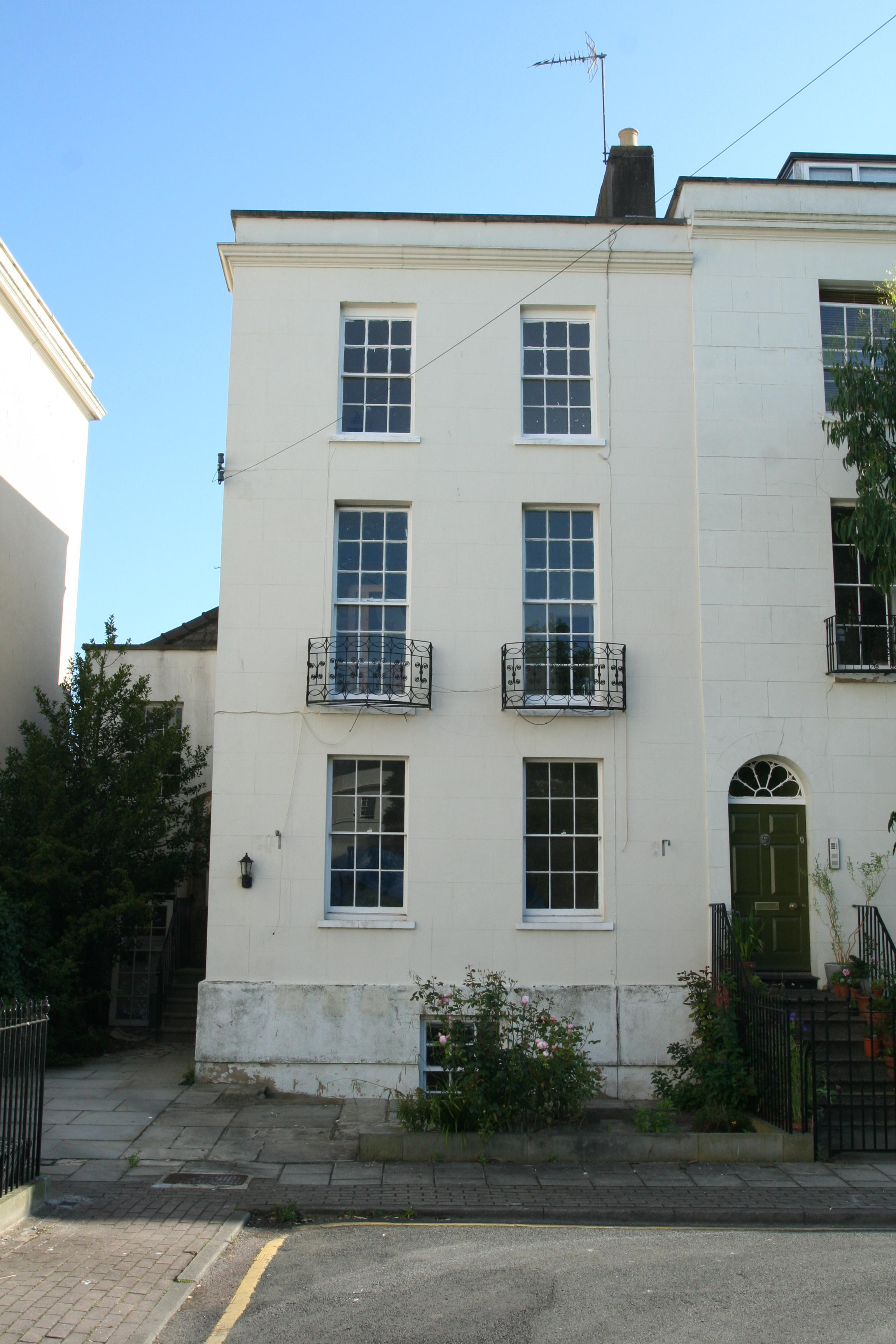 6 Bedroom Furnished House Share To Rent On Brunswick Square, Gloucester,  GL1 By Private ...