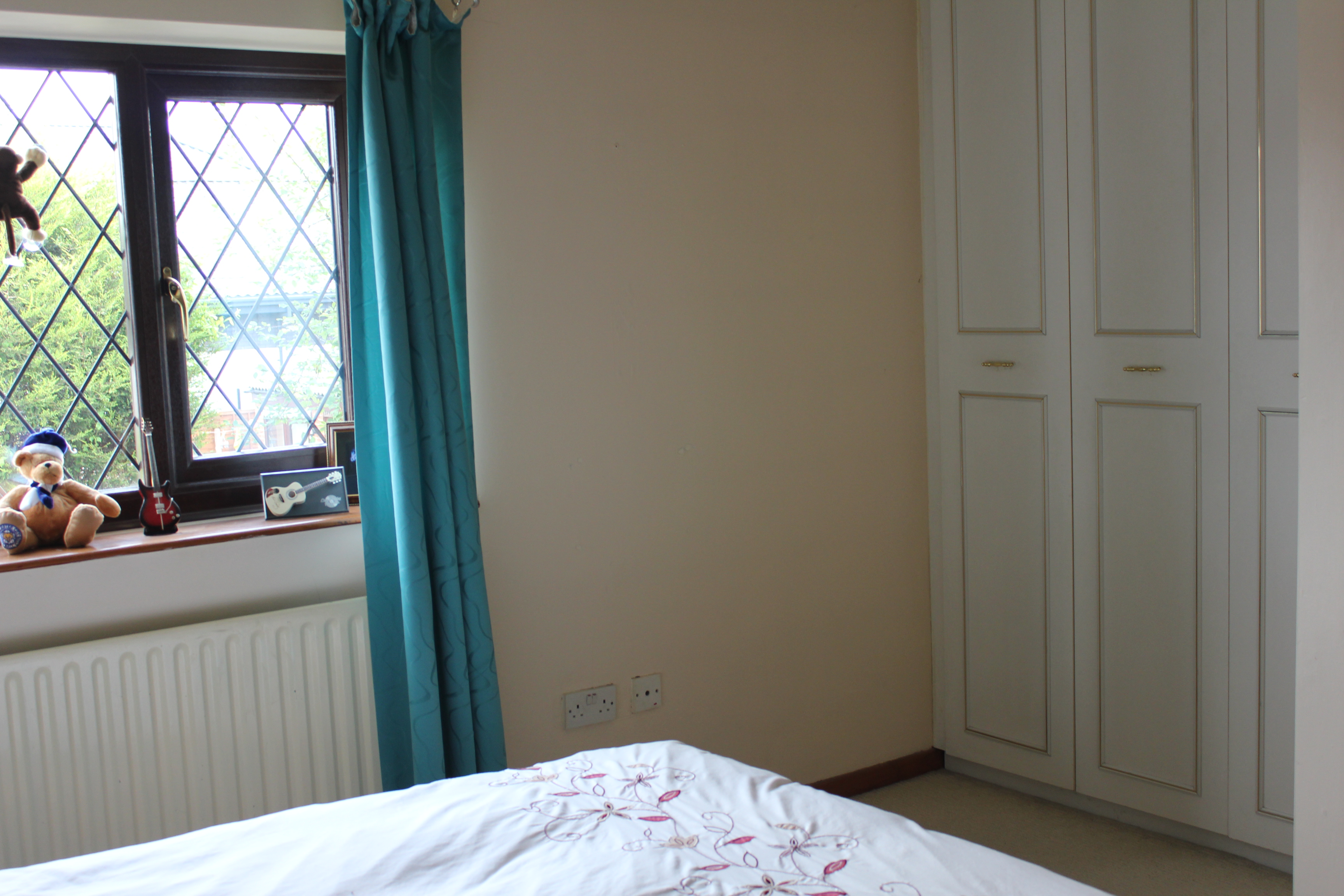 bedroom unfurnished semi detached to rent on yeoman close stockport