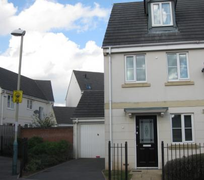 3 bedroom Part-Furnished Semi-Detached to rent on Rosebay Gardens, Cheltenham, Gloucestershire, GL51 by private landlord