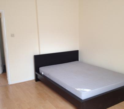 2 bedroom Furnished Apartment to rent on Evelyn Street, London, SE8 by private landlord