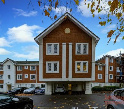 2 bedroom Furnished Flat to rent on 46 - 48 London Road, Reading, RG1 by private landlord