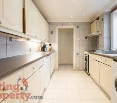 4 bedroom Furnished Semi-Detached to rent on Cedar Road, Hounslow, TW4 by private landlord