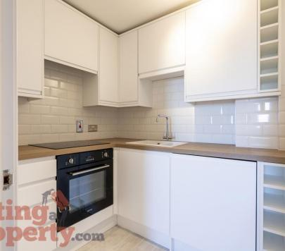 2 bedroom Any Flat to rent on High Street, London, E15 by private landlord