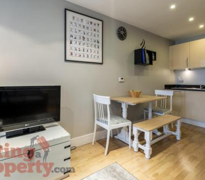 1 bedroom Furnished Flat to rent on Lanterns Way, London, E14 by private landlord