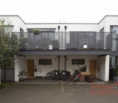 4 bedroom Unfurnished End of Terrace to rent on Harvey Mews, London, N8 by private landlord