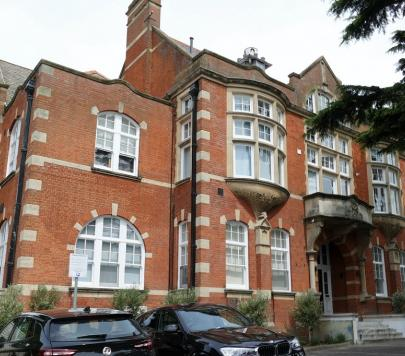 2 bedroom Any Ground Flat to rent on 35 Coombe Road, KINGSTON UPON THAMES, KT2 by private landlord
