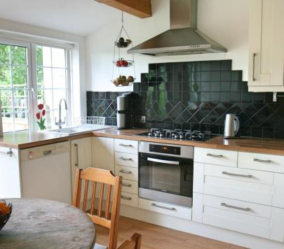 2 bedroom Unfurnished Ground Maisonette to rent on Audley Road, London, NW4 by private landlord
